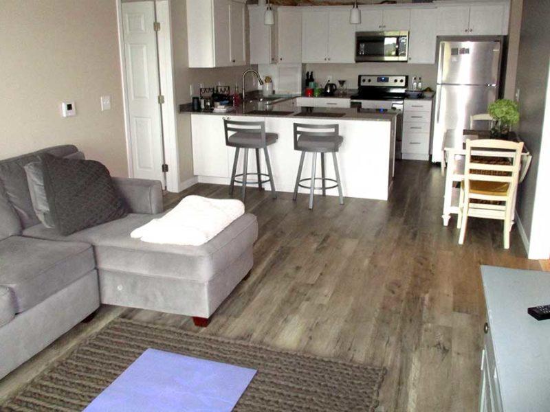 white-kt-livingroom
